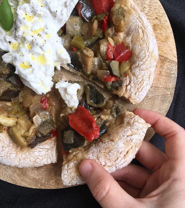 Pizza con rústico de verduras